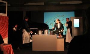 Frau Helga vecht het uit met kok Wim...